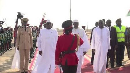 Accueil modeste du Président gambien à son homologue mauritanien (Photos)