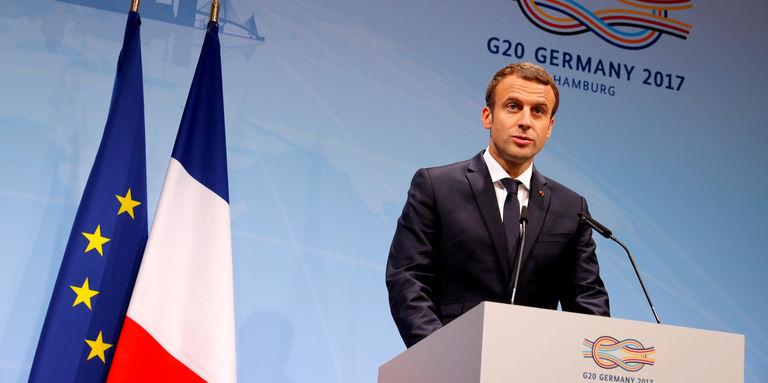 « Frères Africains, répondons par le mépris aux élucubrations d'Emmanuel Macron ! »