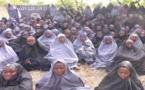 Nigeria : deux ans après l'enlèvement de 276 lycéennes, Boko Haram envoie une « preuve de vie » En savoir plus sur http://www.lemonde.fr/afrique/article/2016/04/14/nigeria-deux-ans-apres-l-enlevement-de-276-lyceennes-boko-haram-envoie-une-preuve-de-v
