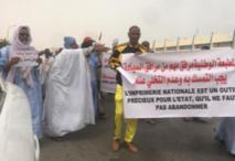Les employés de l'Imprimerie Nationale en sit-in devant la présidence