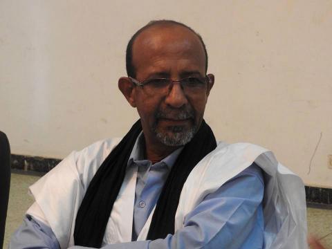 """Idoumou Mohamed Lemine Abass assume: """"J'écris pour mon pays""""."""