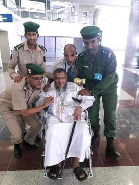 Sanction de trois gendarmes, pris en photo avec un prédicateur